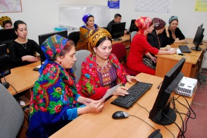 photo-women-daily-lives-turkmenistan