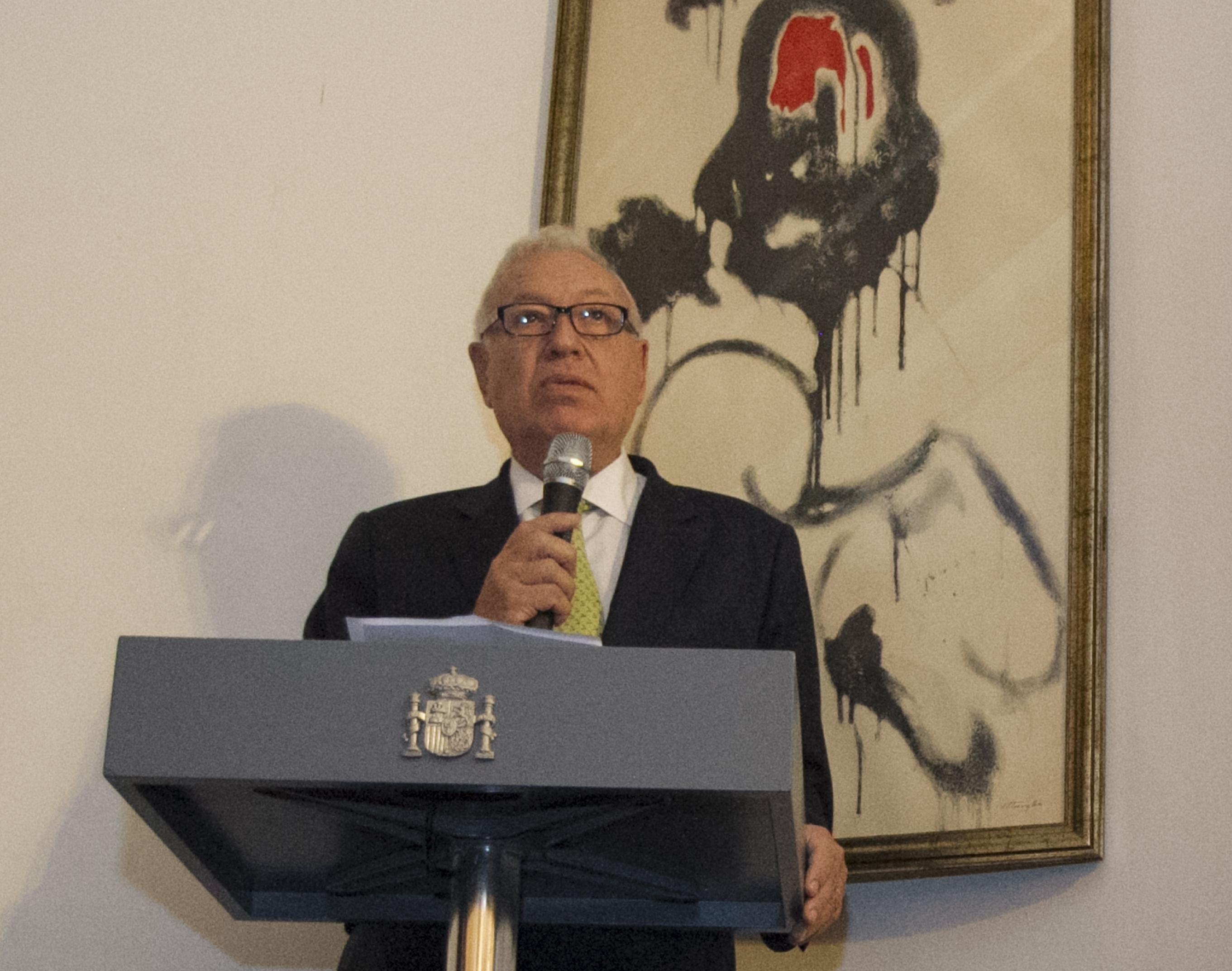 El Ministro De Asuntos Exteriores Y De Cooperacion D Jose Manuel